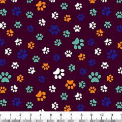 Tecido Tricoline Estampado Patinhas de Cachorro Coloridas Fundo Vinho 5340v12